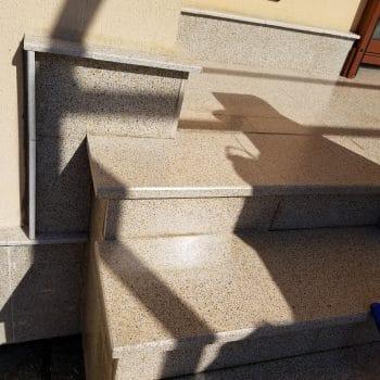 Импрегнирано стълбище от обикновена мозайка